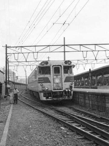 04上野駅つばさ.jpg