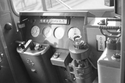 06キハ45運転台.jpg