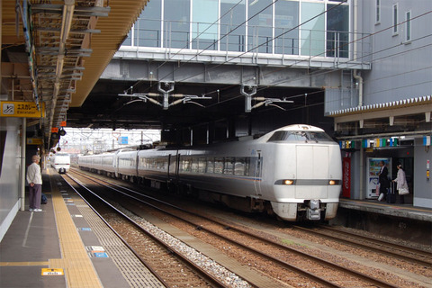 01高岡駅681系.JPG
