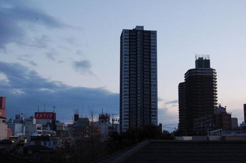 12夕暮れの町.JPG